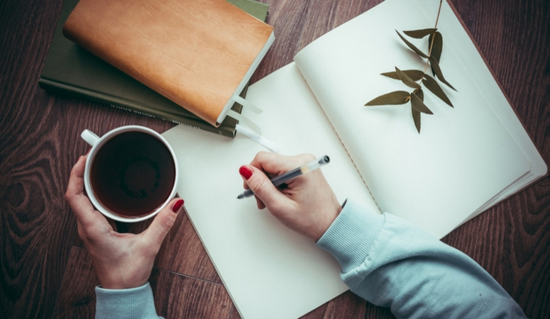 Simple tips to stay positive while losing weight. Journaling.
