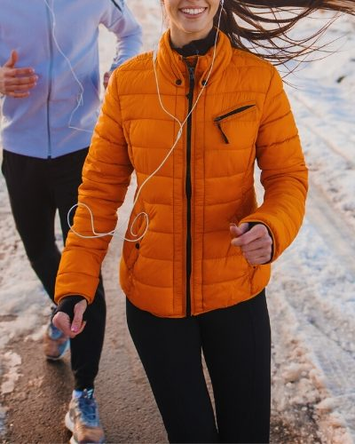 couple running, how to keep warm working out in winter